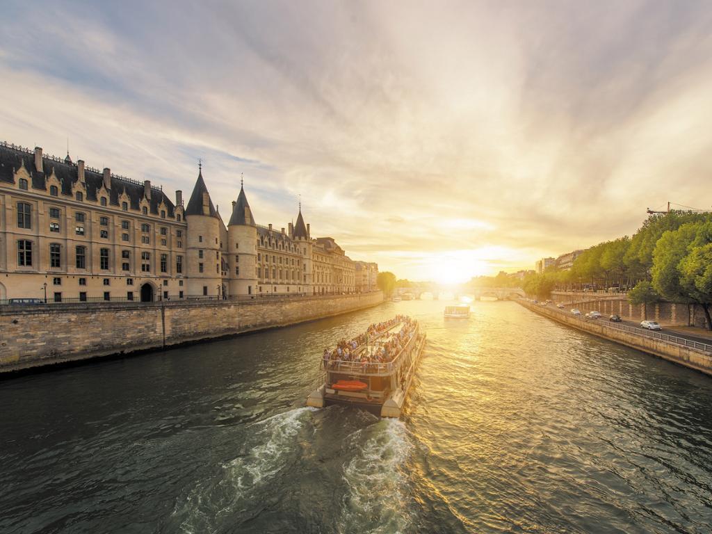 Bateaux Parisiens - Crucero panorámico por el Sena con audioguía