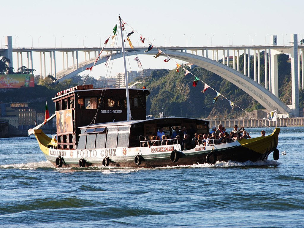 Crucero por los Seis Puentes del Duero