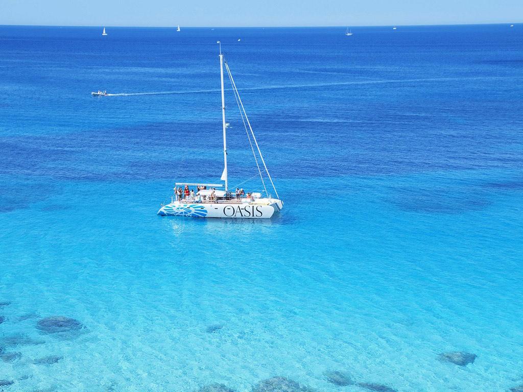 Luxusurlaub auf Mallorca mit dem Aufenthalt im Castillo de Son Vida Hotel, Katamaran-Ausflug inklusive