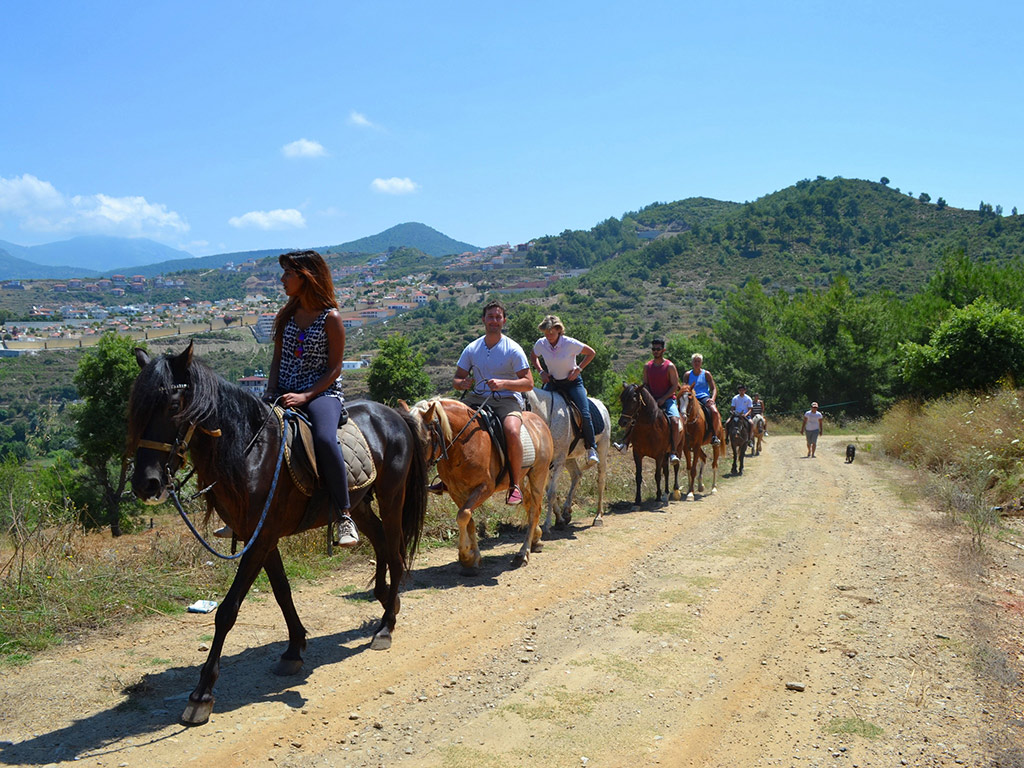 Half Day Horse Trekking Through the Taurus Mountains from Alanya