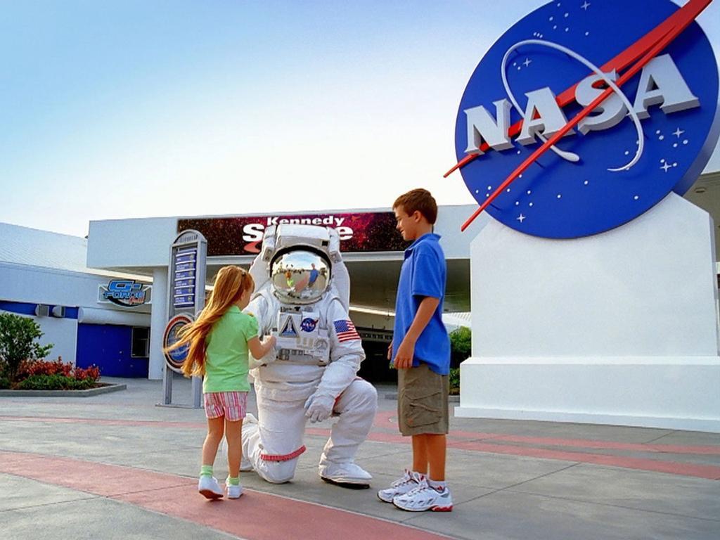 Centro espacial John F. Kennedy con traslado