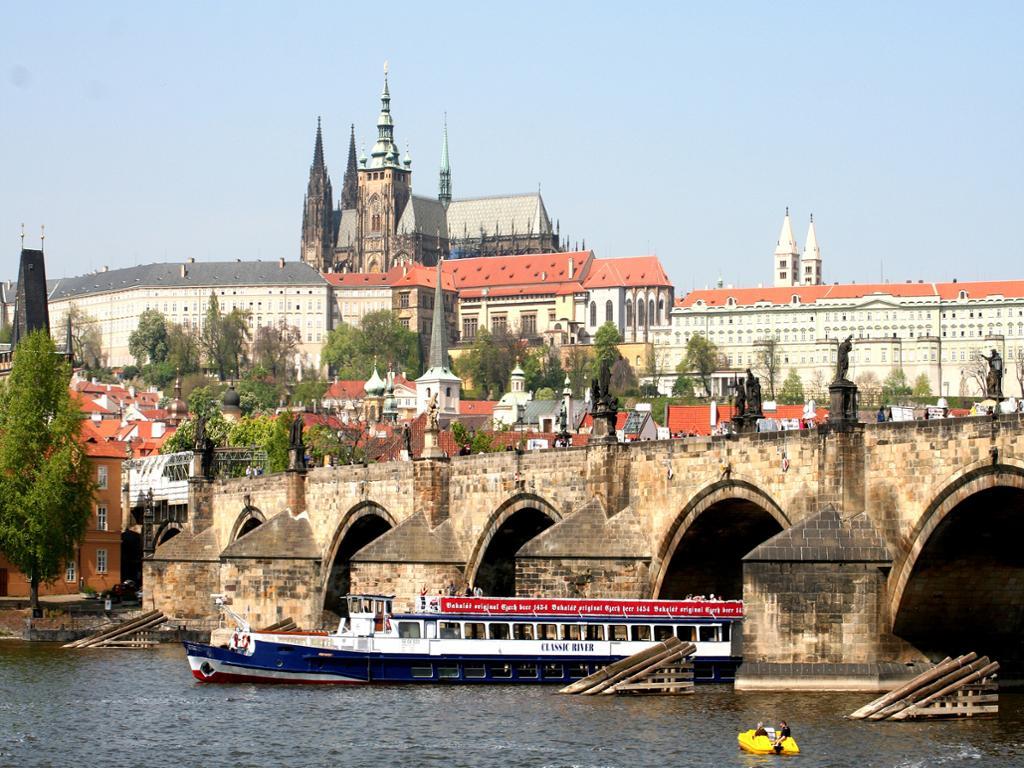 Crucero panorámico por el río Moldava