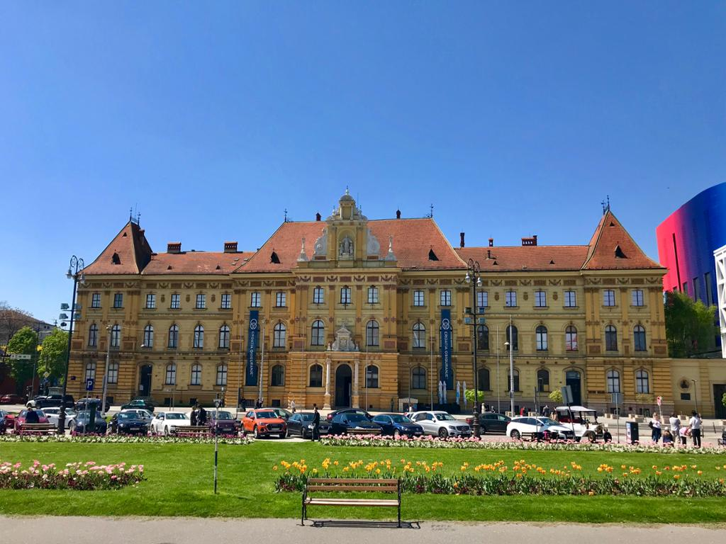 Private Zagreb Green Walking Tour and Museum